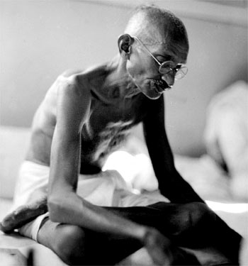 gandhi non-violence movement essay
